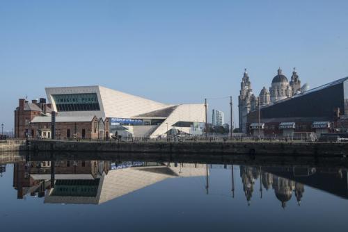 Albert Docks Liverpool Imagine