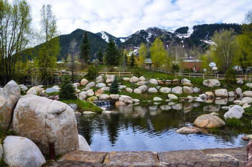 Aspen-park-Rockies-12x18 (1) (1)