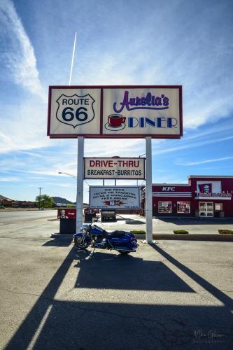 Aurelias Diner road sign 12x18 (1)