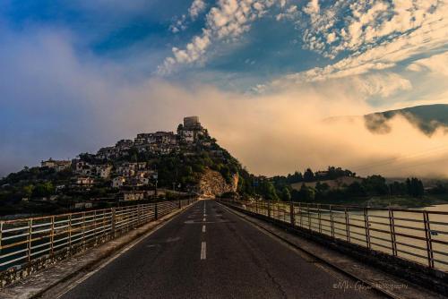 Castel di Tora sunrisefrom bridge mgpx