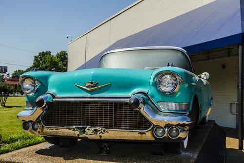 Elvismobile-at-Graceland-12x (1)