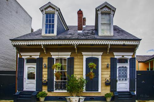 French-Quarter-New-Orleans-house-12x8