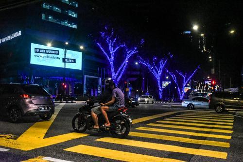 Kuala-Lumup-street-night-12x (1)