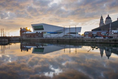 Liverpool Albert Docks 1 MGP
