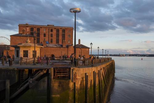 Liverpool Albert Docks sunset 2 MGP