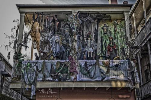 New-Orleand-halloween-balcony-HDR