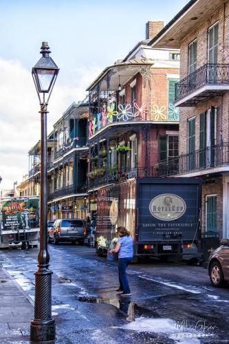 New-Orleans-Street-12x18