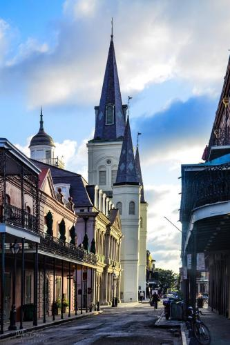 New-Orleans-Street-2-12x18-1-2048x2048