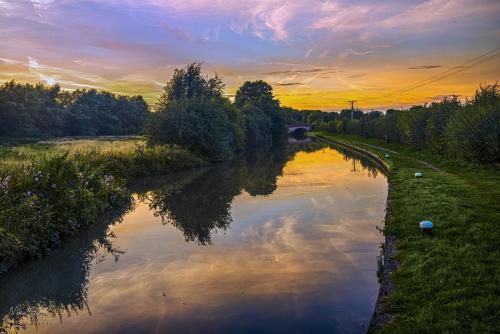 Northamptonshire-canal-12x18