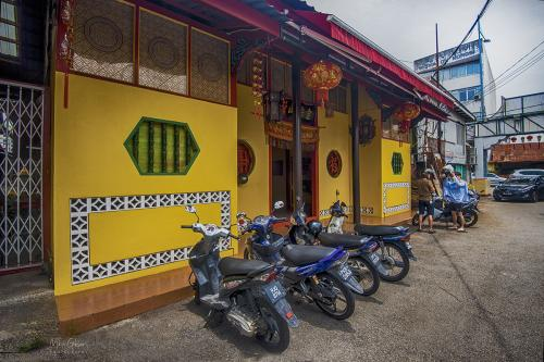 Penang-Gorge-Town-street-12x8