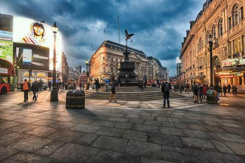 Piccadilly Circus HDR