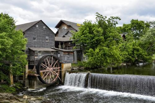 Pigeon-Forge-2-1