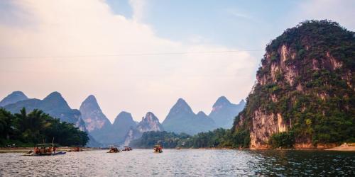 Rafts-on-Li-River-1800x900