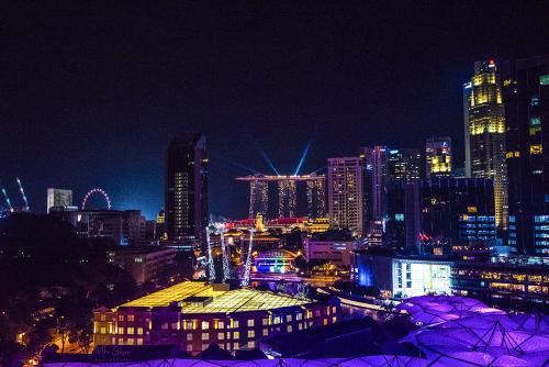 Singapore-at-night-12x8