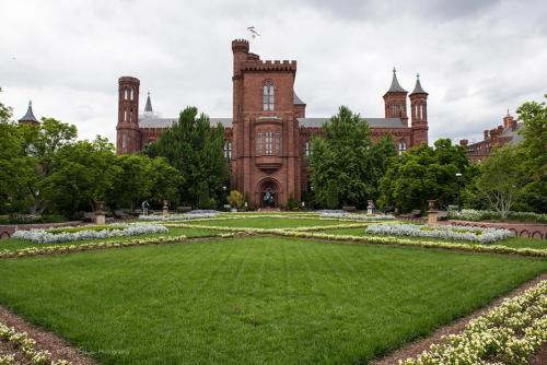 Smithsonian Castle, Washington Mall mgp 12