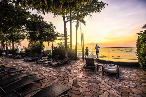 Sunrise-from-Marina-Bay-Sands-12x8