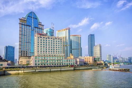 The-Bund-Shanghai-looking-west-12x18