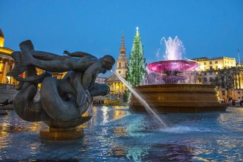 Trafalgar Square with fountain