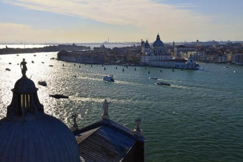 Venice-1-in