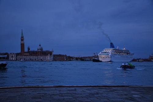 Venice-cruise-liner