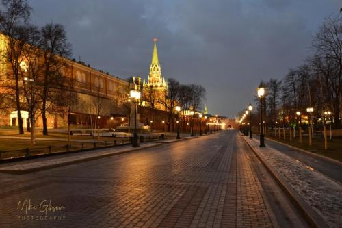 gorky-park-and-kremlin-18x12-mgp