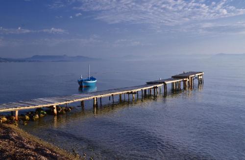 jett and boat