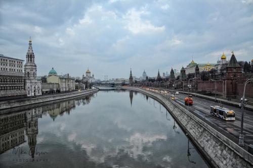 kremlin-and-river-18x12-mgp